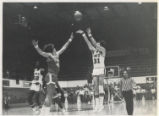Jeff Ralph makes a jumpshot against UT